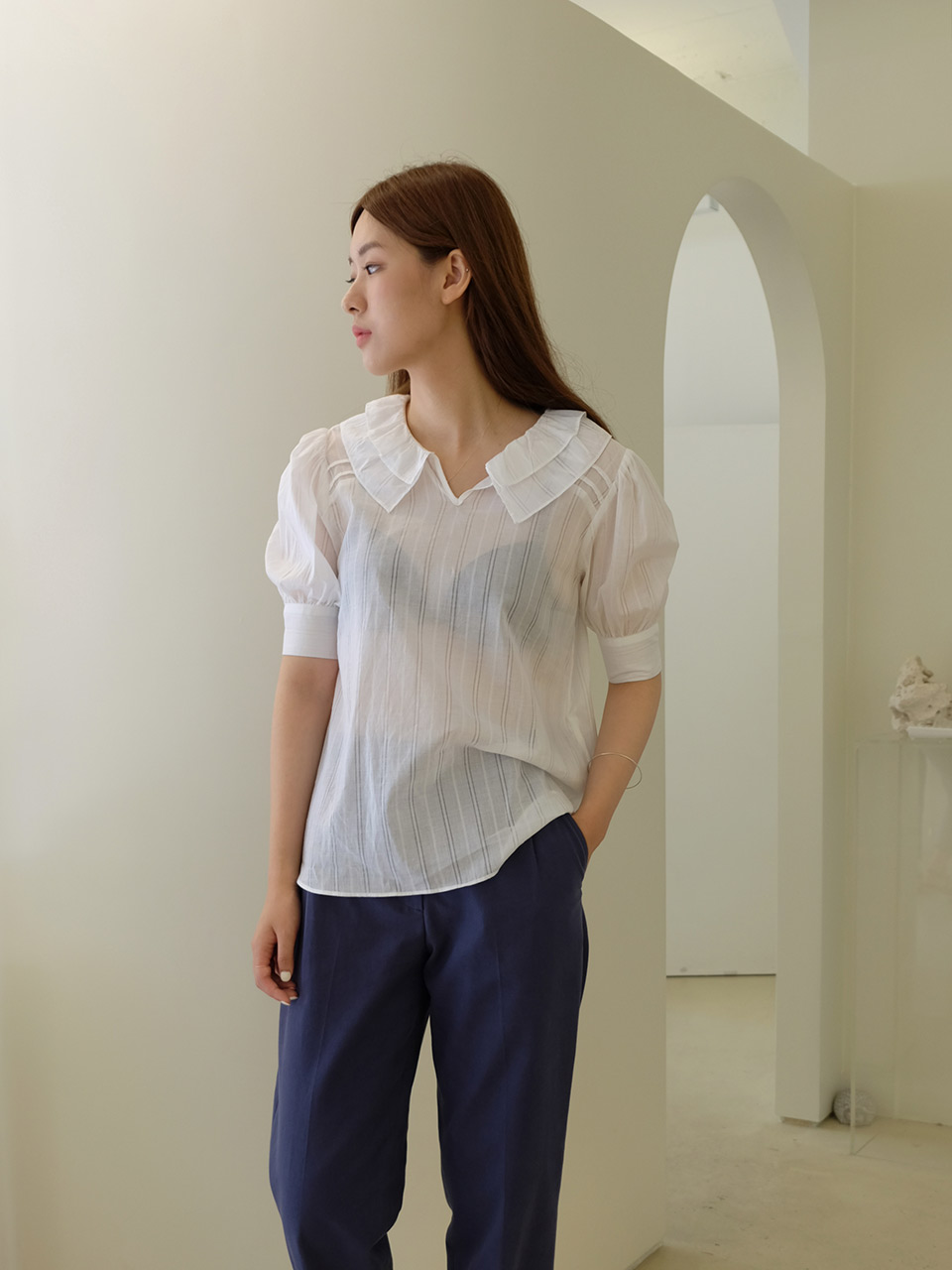FRILL BLOUSE (WHITE)